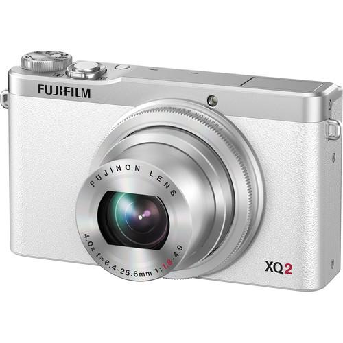 Fujifilm  XQ2 Digital Camera Deluxe Kit (White)