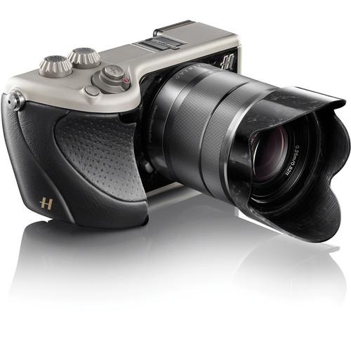 Hasselblad Lunar Mirrorless Digital Camera with 18-55mm 1100181