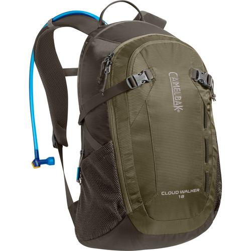 CAMELBAK Cloud Walker 18 Backpack (Dusky Green/Black Olive)